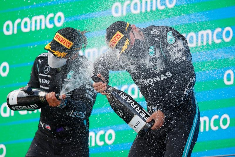 Με στρατηγική δύο αλλαγών κέρδισε ο Hamilton το Γκραν πρι στην Ισπανία