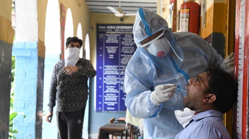Κορωνοϊός: Εφιάλτης δίχως τέλος στην Ινδία – 3.128 ασθενείς υπέκυψαν το τελευταίο 24ωρο