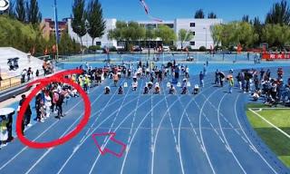 Καμεραμάν…τερματίζει πρώτος σε κούρσα 100 μέτρων!