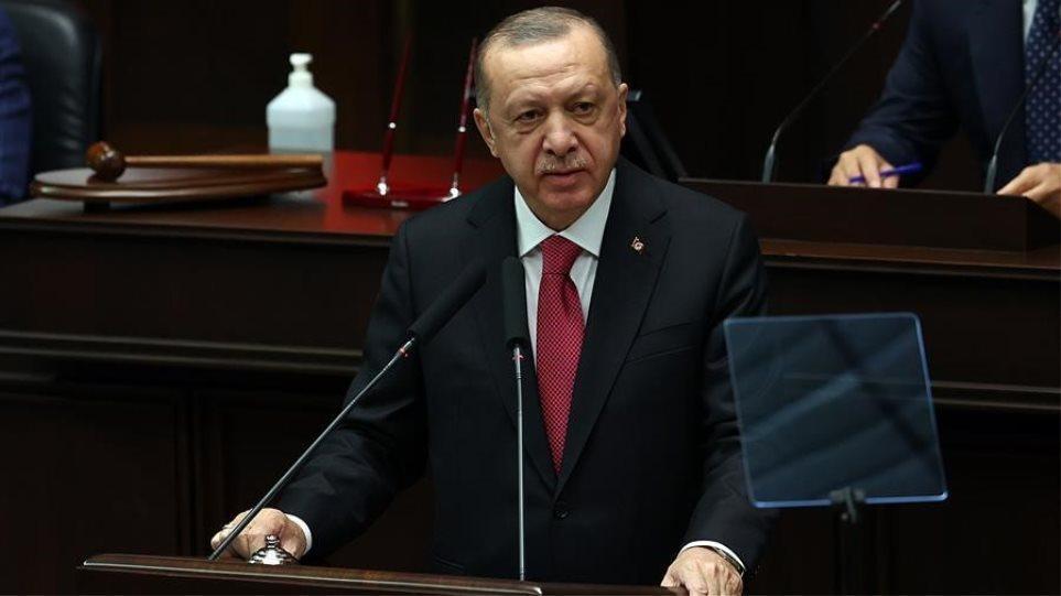 Deutsche Welle: «Δάκτυλος» Ερντογάν στις τουρκοκυπριακές εκλογές
