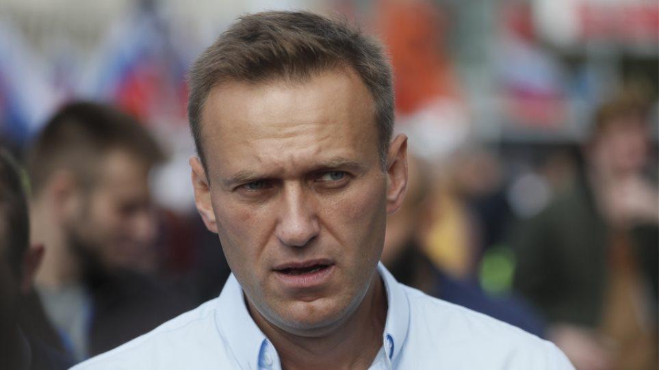 Ρωσία: Στενός σύμμαχος του Ναβάλνι μπήκε σε λίστα καταζητούμενων της κυβέρνησης