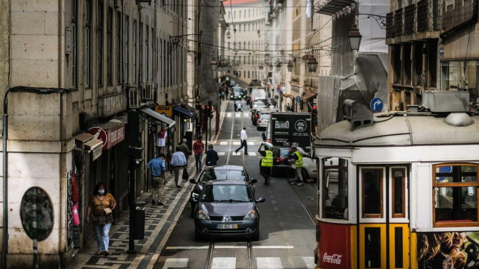 Μετάλλαξη Δέλτα: Η Πορτογαλία επιβάλλει καραντίνα 14 ημερών σε Βρετανούς που δεν έχουν εμβολιαστεί