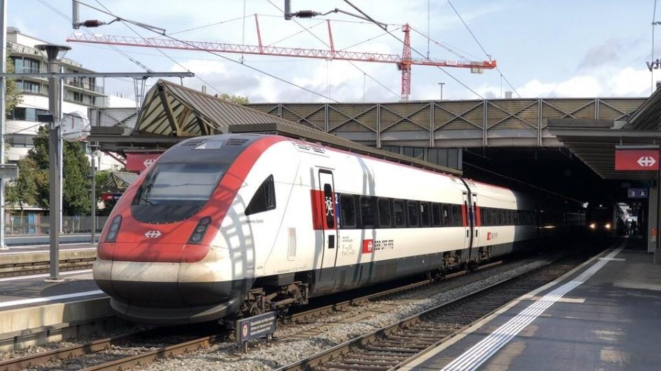 Ελβετία: Μεγάλη κινητοποίηση της αστυνομίας – Εκκενώθηκε τρένο κοντά στο Ντένικεν