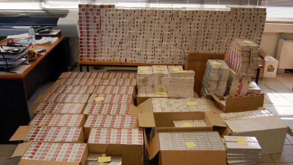 Πέλλα: Συνελήφθη με πάνω από 184.000 τεμάχια λαθραίων τσιγάρων και 18 κιλά λαθραίου καπνού