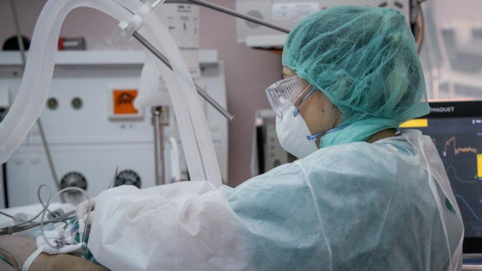 Διασωληνώθηκε 22χρονος στο «Σωτηρία» – Γκάγκα: Όσοι νοσηλεύονται είναι κυρίως μη εμβολιασμένοι