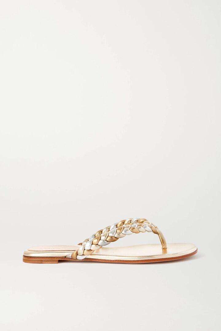 Τα πιο στυλάτα flip-flops που θα φοράς στις διακοπές και τον καύσωνα