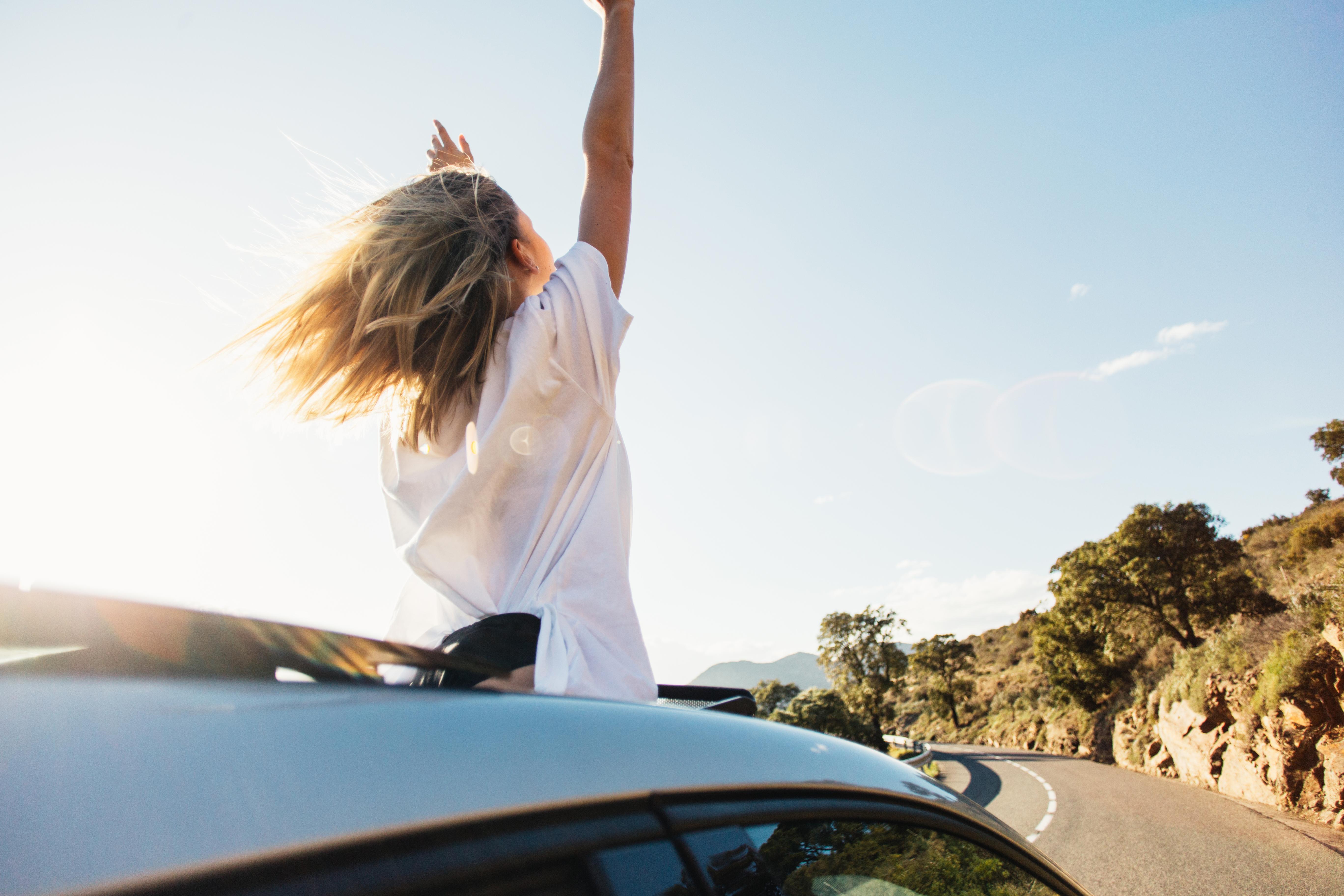 Φέτος το καλοκαίρι ανακαλύπτουμε τη χαρά του ταξιδιού μέσα από ένα συναρπαστικό road trip!