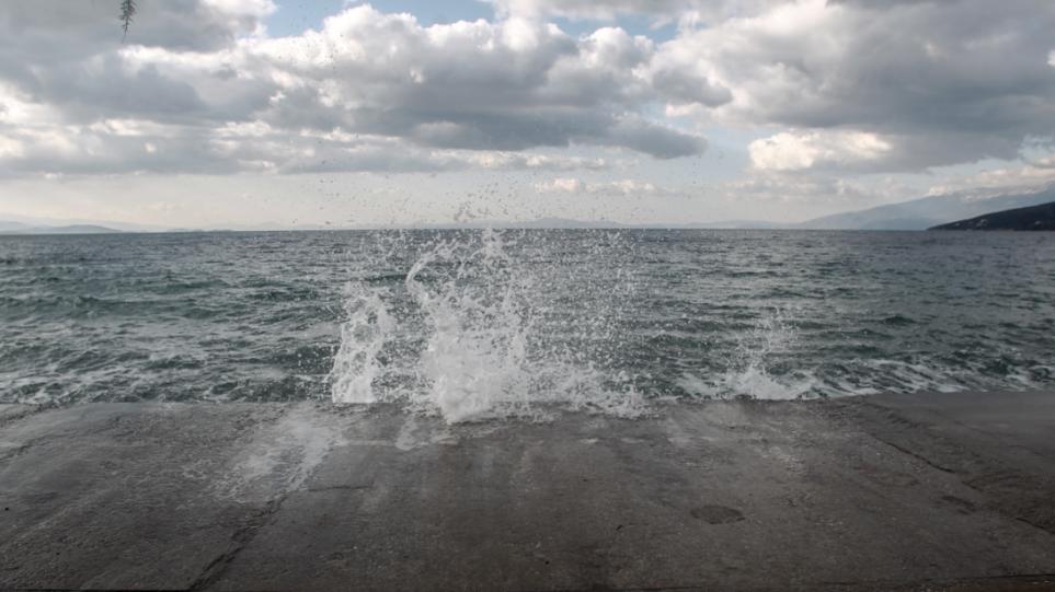 Καιρός: Η «Ψυχρή Λίμνη» που πλήττει την Ευρώπη, έρχεται στην Ελλάδα – Πότε και από πού ξεκινά η κακοκαιρία – Νέοι χάρτες