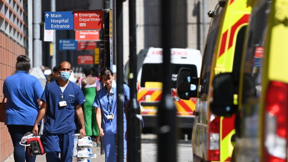 Η Βρετανία αντιμετωπίζει κίνδυνο παράλυσης αν τεθούν εκτός εργασίας 1,6 εκατομμύρια πολίτες