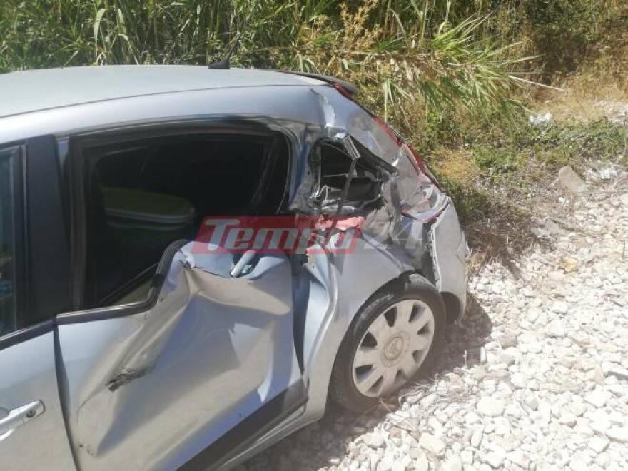 Πάτρα: Συρμός προαστιακού συγκρούστηκε και παρέσυρε αυτοκίνητο