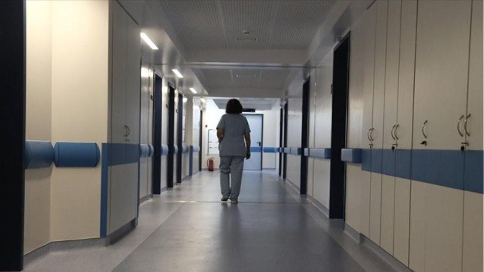 Χανιά: Ώρες αγωνίας για τον 16χρονο – Σε χειρουργική επέμβαση μετά τη βουτιά και την πτώση στα βράχια
