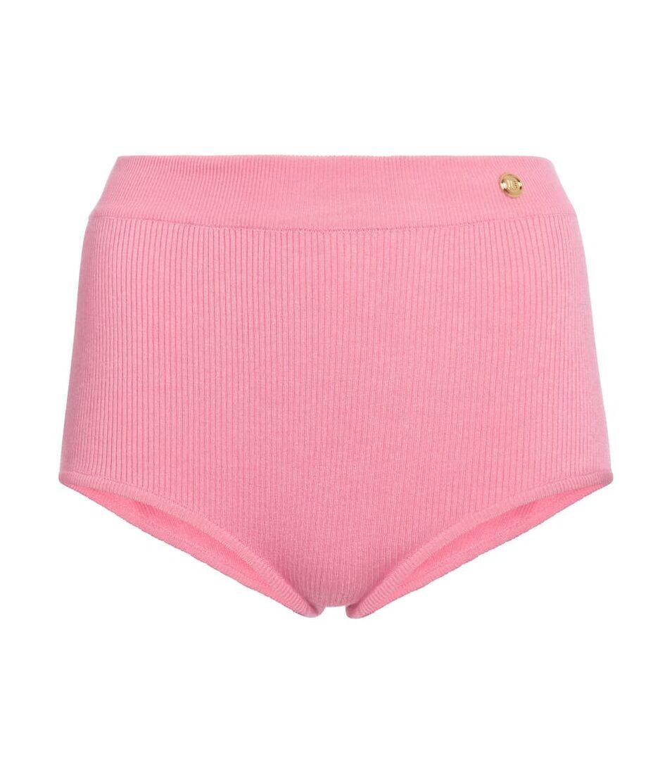 Συγγνώμη, Rihanna, η Carrie Bradshaw φόρεσε πρώτη το tiny shorts 21 χρόνια πριν