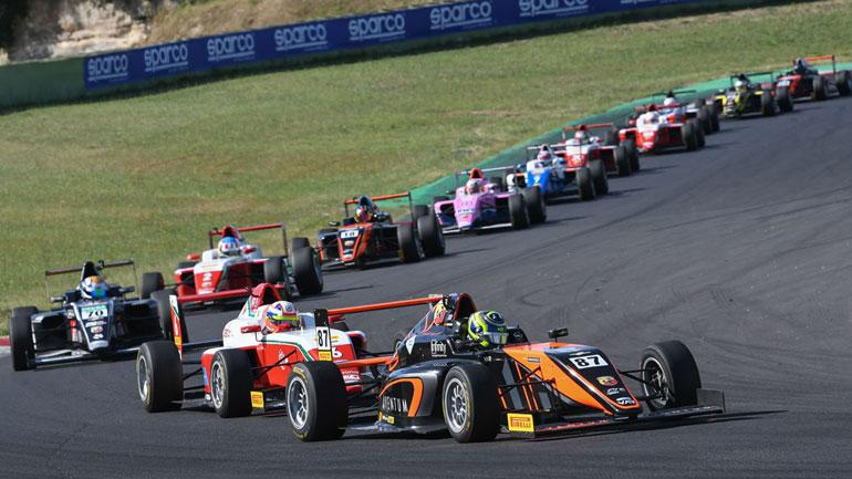 Oliver Bearman-Τρέχει στη F4 και προετοιμάζεται για τη F1