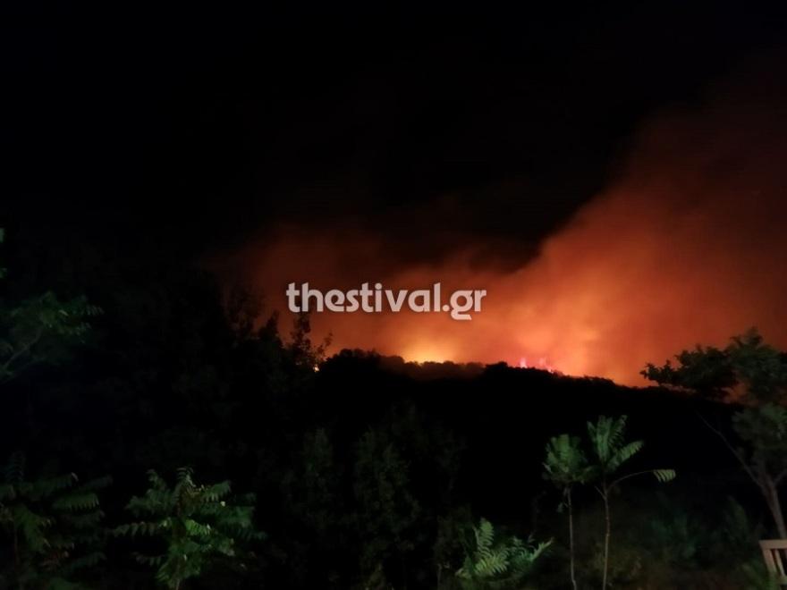 Θεσσαλονίκη: Μεγάλη φωτιά κοντά στη Νέα Ευκαρπία – Βίντεο και φωτογραφίες