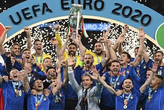 Πανάξια η Ιταλία στη κορυφή της Ευρώπης