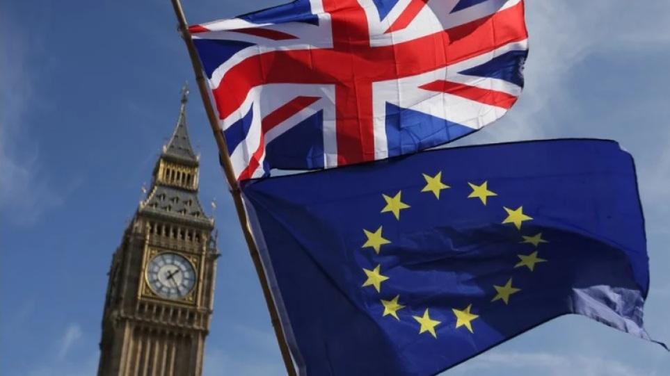 Brexit: Η Βρετανία έλαβε 6 εκατομμύρια αιτήσεις εγκατάστασης από πολίτες της ΕΕ