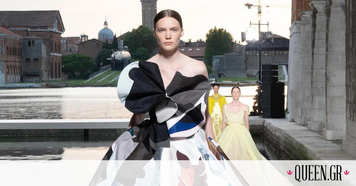 Valentino Couture AW21: 5 πράγματα που πρέπει να ξέρεις για τη μαγική πασαρέλα στη Βενετία