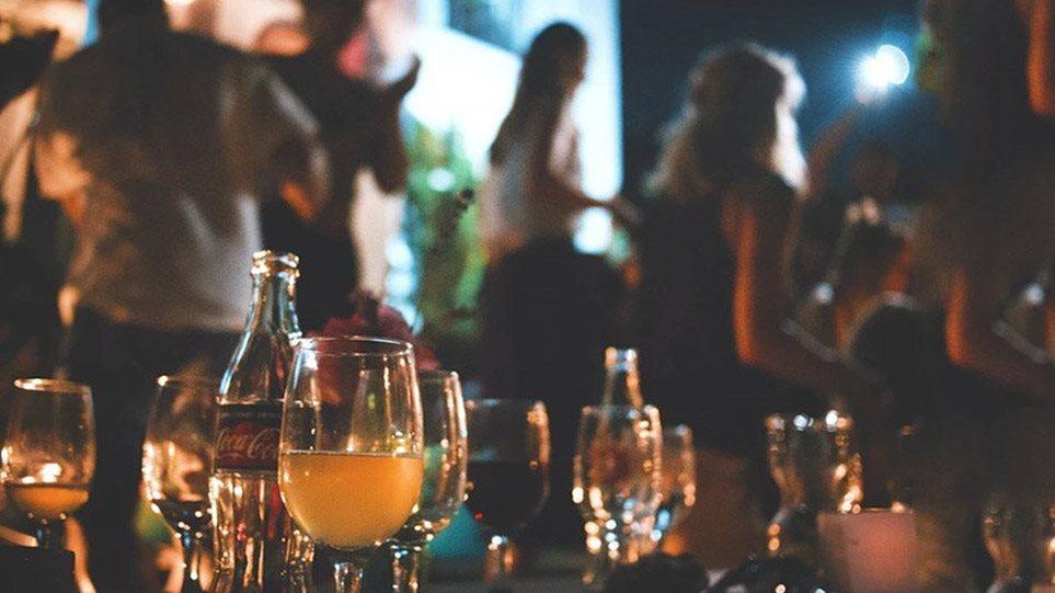 Απτόητοι οι ravers συνεχίζουν τα πάρτι – Νέο μεγάλο event το προσεχές Σάββατο με 20 ευρώ είσοδο και 2.000 κόσμο