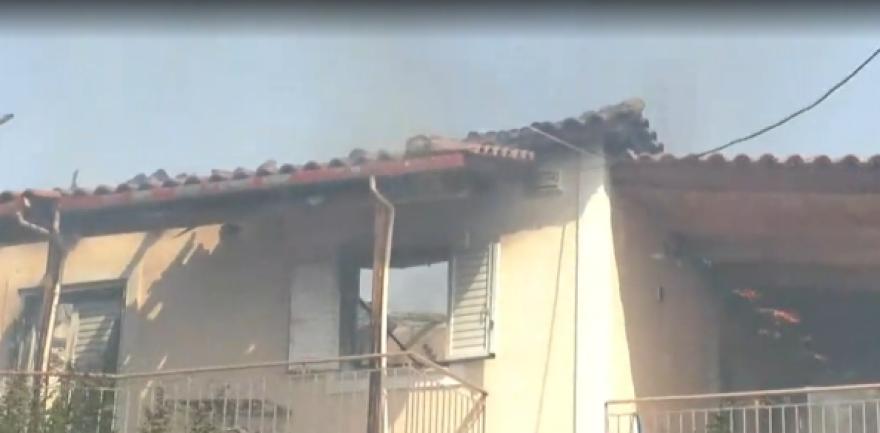 Πάτρα: «Μάχη» με την φωτιά στην Δροσιά – Σε ύφεση το πύρινο μέτωπο στην Ελεκίστρα