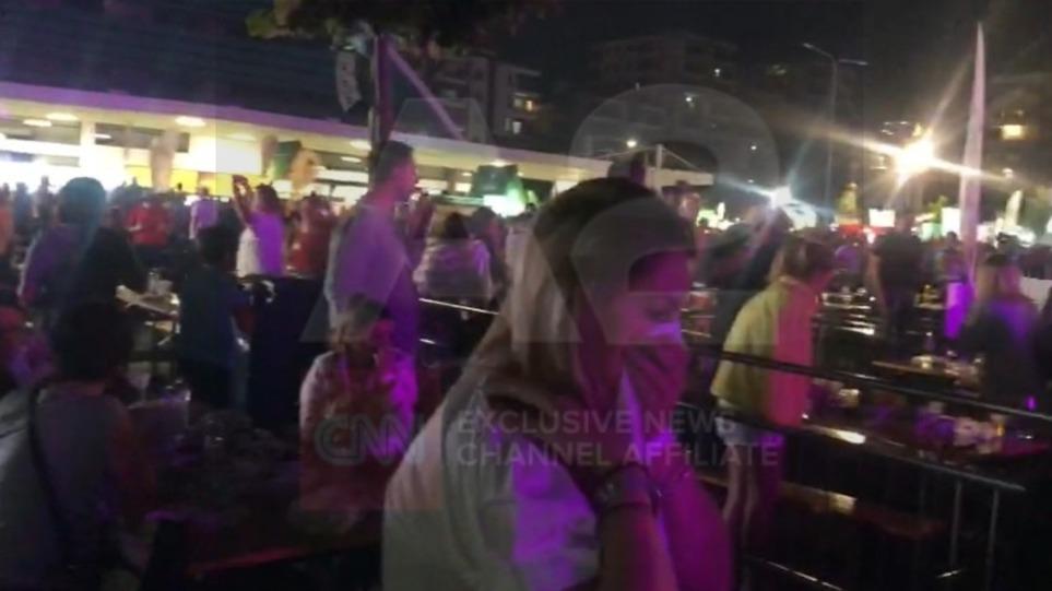 Κορυτσά: Δακρυγόνα και συλλήψεις σε συναυλία του Γκόραν Μπρέγκοβιτς – Δείτε βίντεο