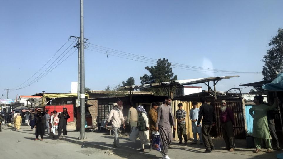 Αφγανιστάν: Η Γαλλία μεταφέρει την πρεσβεία της στο αεροδρόμιο της Καμπούλ
