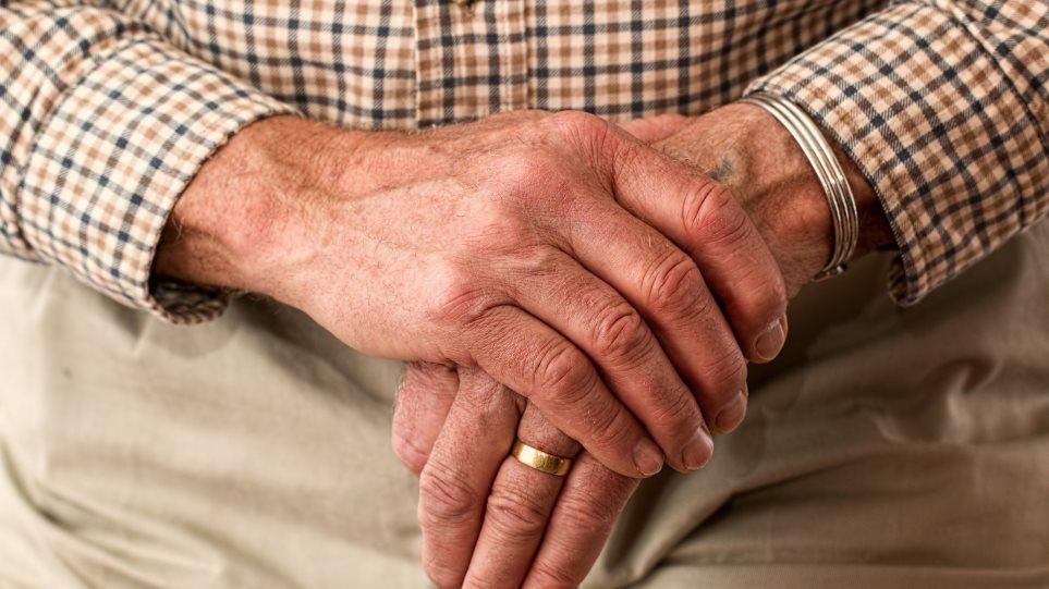 Χαλκιδική: Εισέβαλαν στο σπίτι 76χρονου, τον χτύπησαν και τον λήστεψαν
