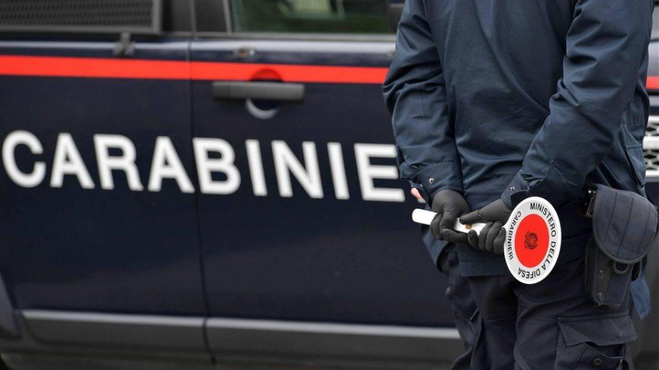 Ιταλία: Αντιεμβολιαστής εργαζόμενος σε σχολείο γρονθοκόπησε δημοσιογράφο της Repubblica