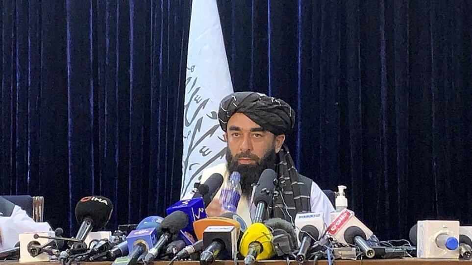 Αμρουλάχ Σάλεχ: Είμαι ο υπηρεσιακός πρόεδρος του Αφγανιστάν, ποτέ δεν θα υποκύψω στους τρομοκράτες Ταλιμπάν