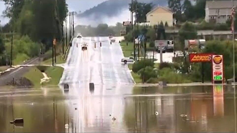 ΗΠΑ: Τουλάχιστον δύο νεκροί και 20 αγνοούμενοι από τις πλημμύρες στην Βόρεια Καρολίνα – Δείτε βίντεο