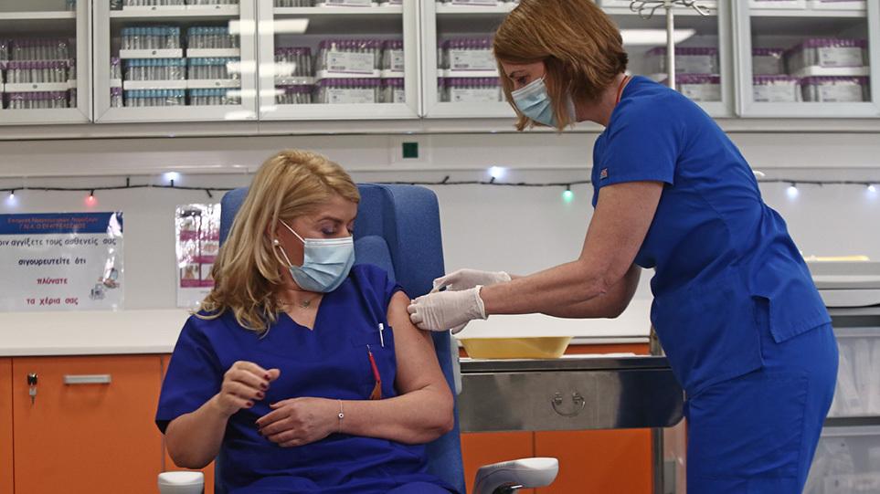 Εμβόλια: Από 1η Σεπτεμβρίου η αναστολή εργασίας στους ανεμβολίαστoυς υγειονομικούς – Ανοίγει η πλατφόρμα για 3η δόση