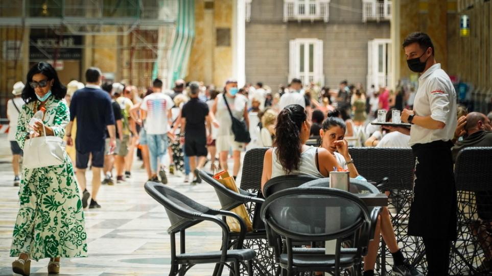 Κορωνοϊός – Ιταλία: Σχεδόν 5.700 κρούσματα σε 24 ώρες