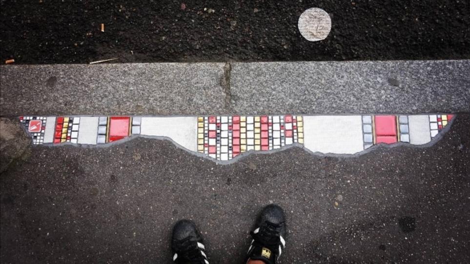 Καλλιτέχνης του δρόμου μετατρέπει τα κατεστραμμένα πεζοδρόμια σε έργα… τέχνης! – Δείτε φωτογραφίες