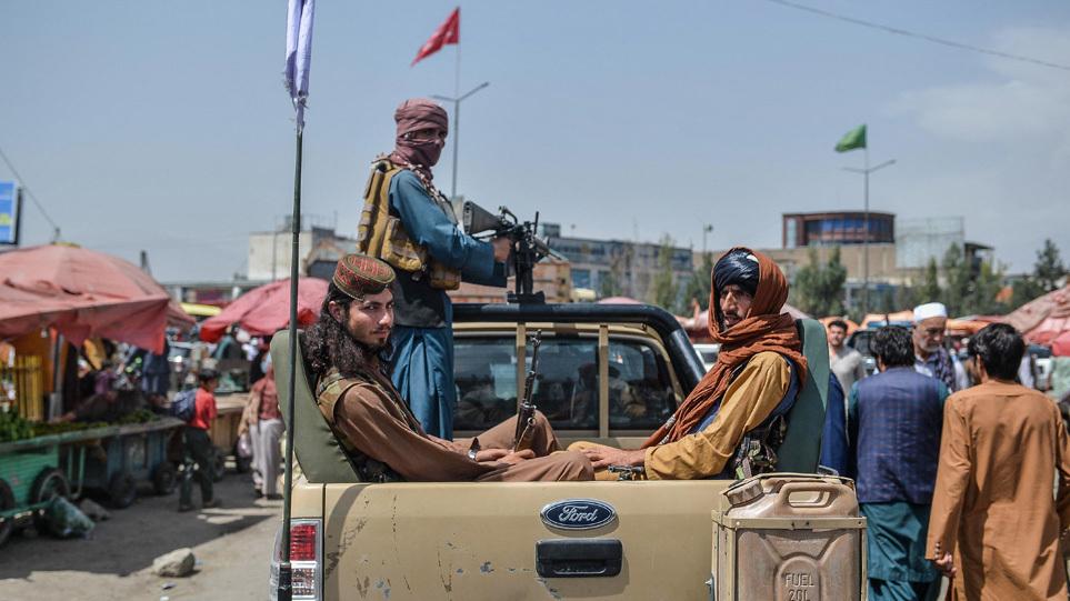 Βρετανία: Σκέφτεται να θέσει εκτός νόμου τα ταξίδια στο Αφγανιστάν