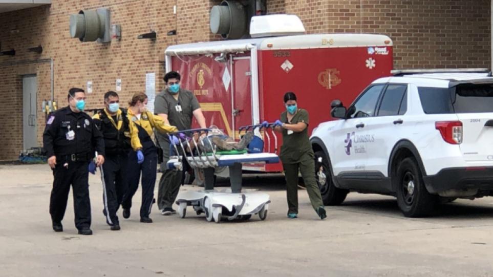 ΗΠΑ: Τουλάχιστον 10 νεκροί και 12 τραυματίες σε τροχαίο στο Τέξας – Ανατράπηκε βαν που μετέφερε μετανάστες