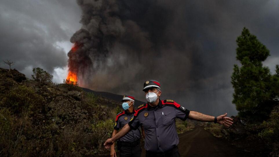 Έκρηξη ηφαιστείου στη Λα Πάλμα: Στη θάλασσα πλησιάζει η λάβα – Εντολή σε κατοίκους να μείνουν σπίτια τους