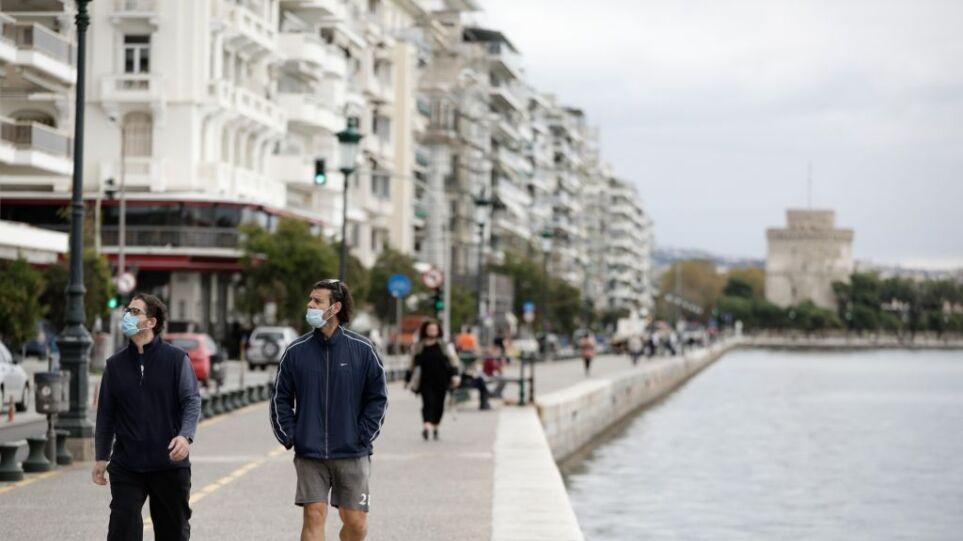 Εξαδάκτυλος: «Όχι» σε ματαίωση παρελάσεων» – «Θα διχαστεί η κοινωνία της Θεσσαλονίκης»