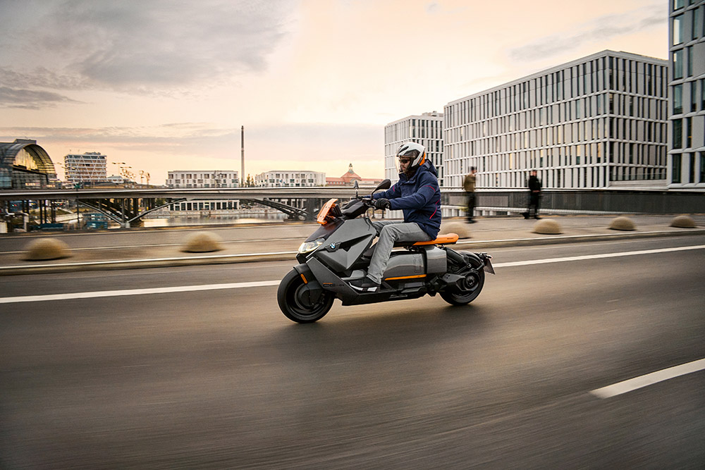 Το νέο BMW CE 04.