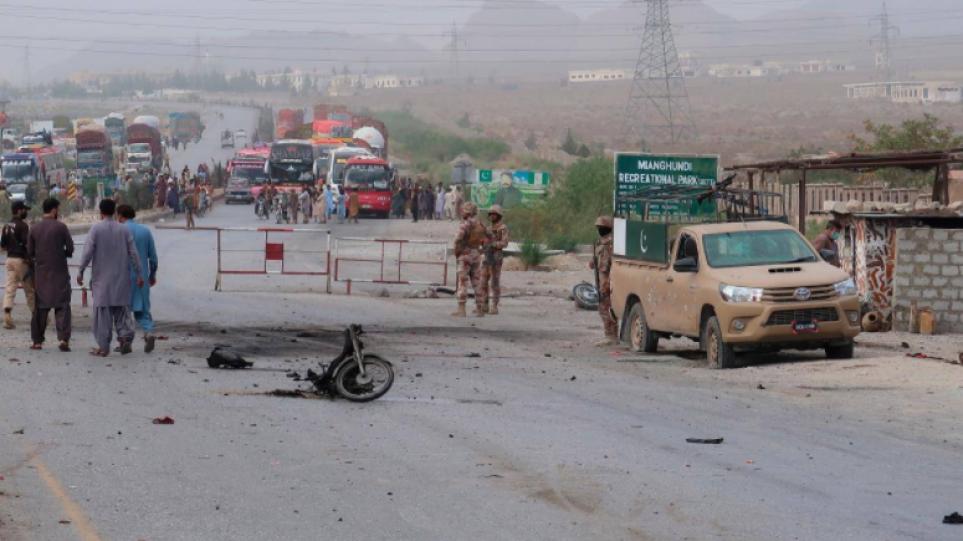 Πακιστάν: Τουλάχιστον 4 νεκροί από επίθεση βομβιστή καμικάζι – Την ευθύνη ανέλαβε το Κίνημα των Ταλιμπάν στη χώρα
