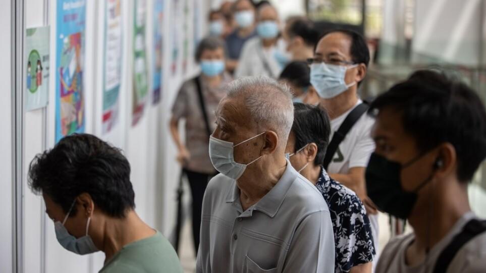 Κίνα: Ξεπέρασαν το 1 δισεκατομμύριο οι πλήρως εμβολιασμένοι πολίτες