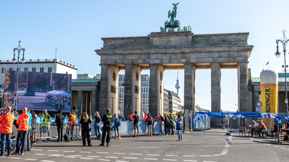 Τα εκλογικά σενάρια στη Γερμανία: «Κατακερματισμός» δυνάμεων, «μαραθώνιος» για τον σχηματισμό κυβέρνησης