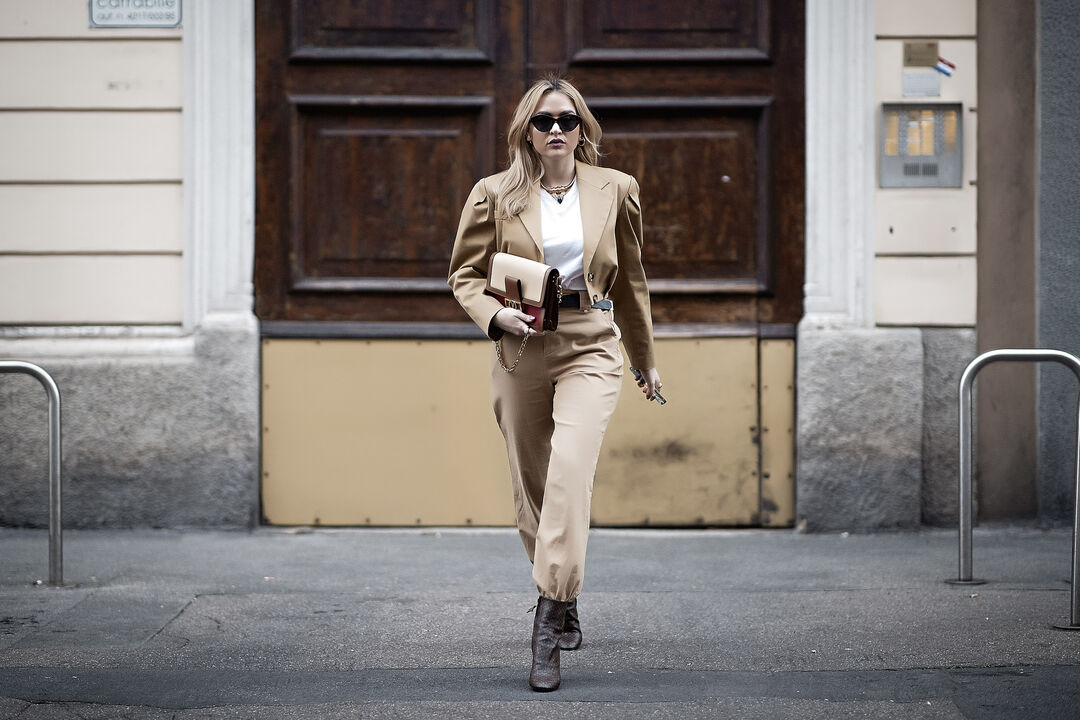 Street Style Inspo: Τα nudes είναι η πιο κομψή επιλογή για styling ακόμα και το φθινόπωρο