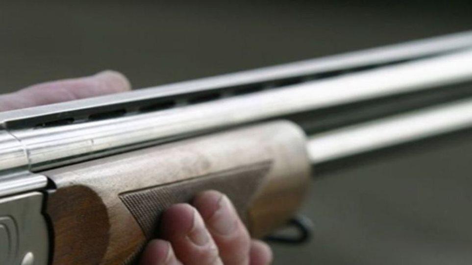 Πατέρας και γιος είχαν παράνομα όπλα στην Ηλεία