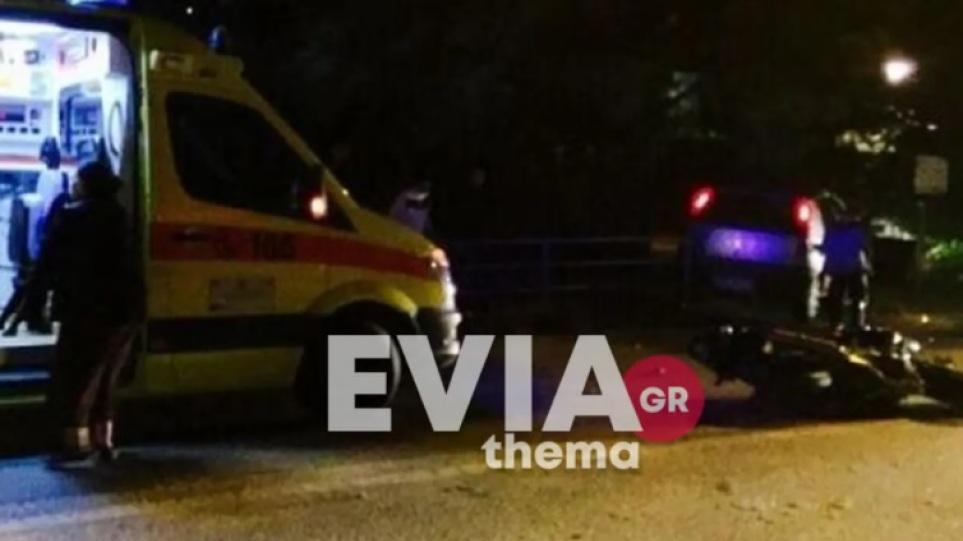 Τροχαίο με εγκατάλειψη στα Λουτρά Αιδηψού: Αγροτικό παρέσυρε μηχανάκι – Σαβαρά τραυματίες οι δυο αναβάτες