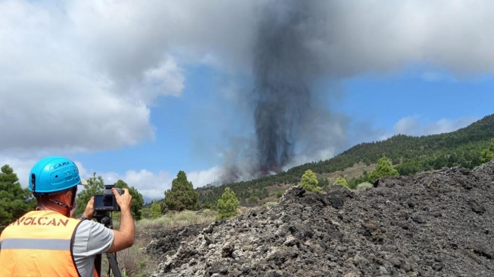 Συναγερμός στην Ισπανία: Έκρηξη ηφαιστείου στο νησί Λα Πάλμα – Απομακρύνθηκαν κάτοικοι