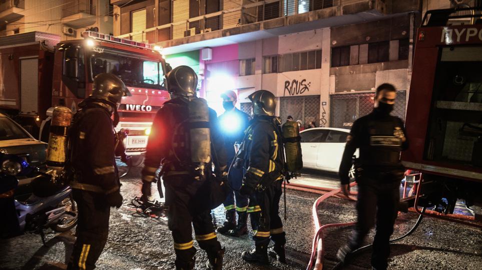 Νίκαια: Στις φλόγες διαμέρισμα στην οδό Ήρας