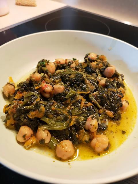 Ρεβίθια με σπανάκι!!! Φαγητό που πρέπει να δοκιμάσετε !!!