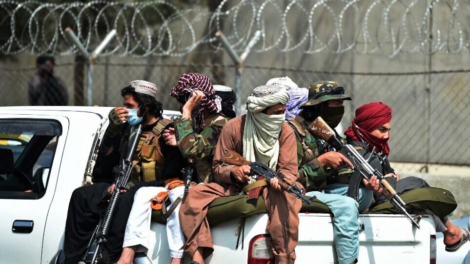 Ταλιμπάν κρέμασαν πτώματα φερόμενων απαγωγέων στο Αφγανιστάν για παραδειγματισμό