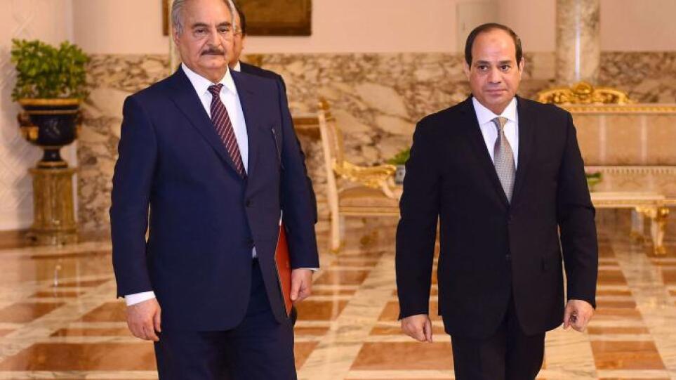 Αίγυπτος: Συναντήθηκαν Σίσι και Χαφτάρ ενόψει των εκλογών στη Λιβύη
