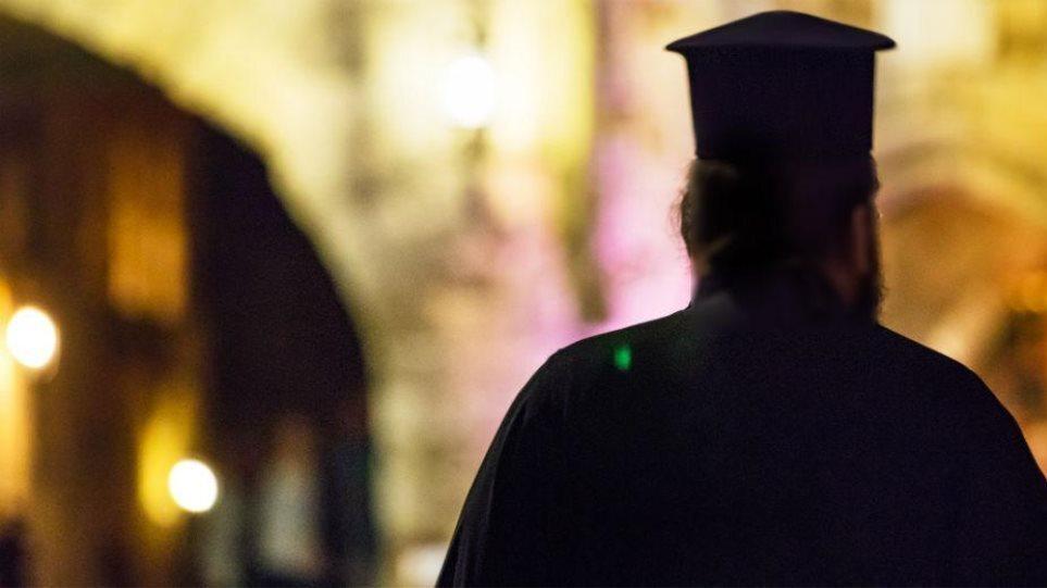 Θεσσαλονίκη: Κληρικός δάνεισε χρήματα 32χρονο – Τον εκβίαζε για να μην του τα επιστρέψει!
