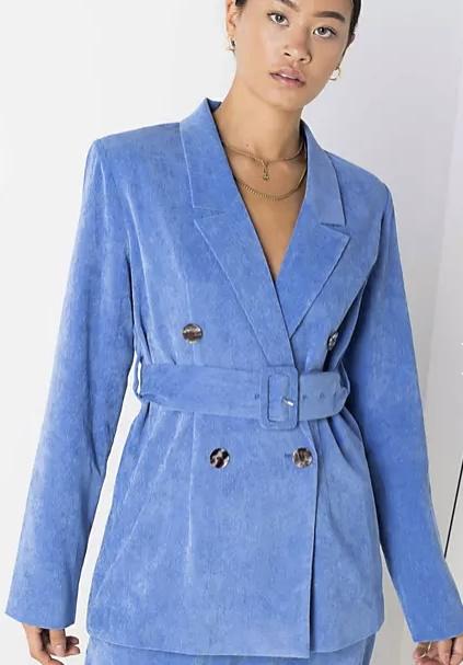 Το μπλε σακάκι συνδυάζεται με τα πάντα! (+10 κομψές επιλογές για να διαλέξεις)